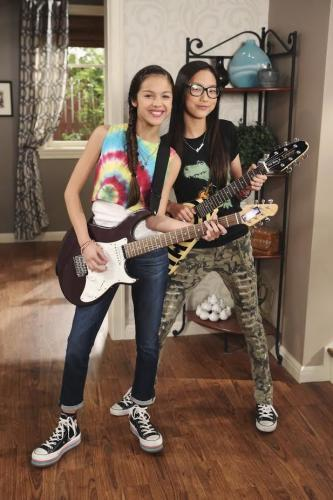 Bizaardvark Season 2 123movies